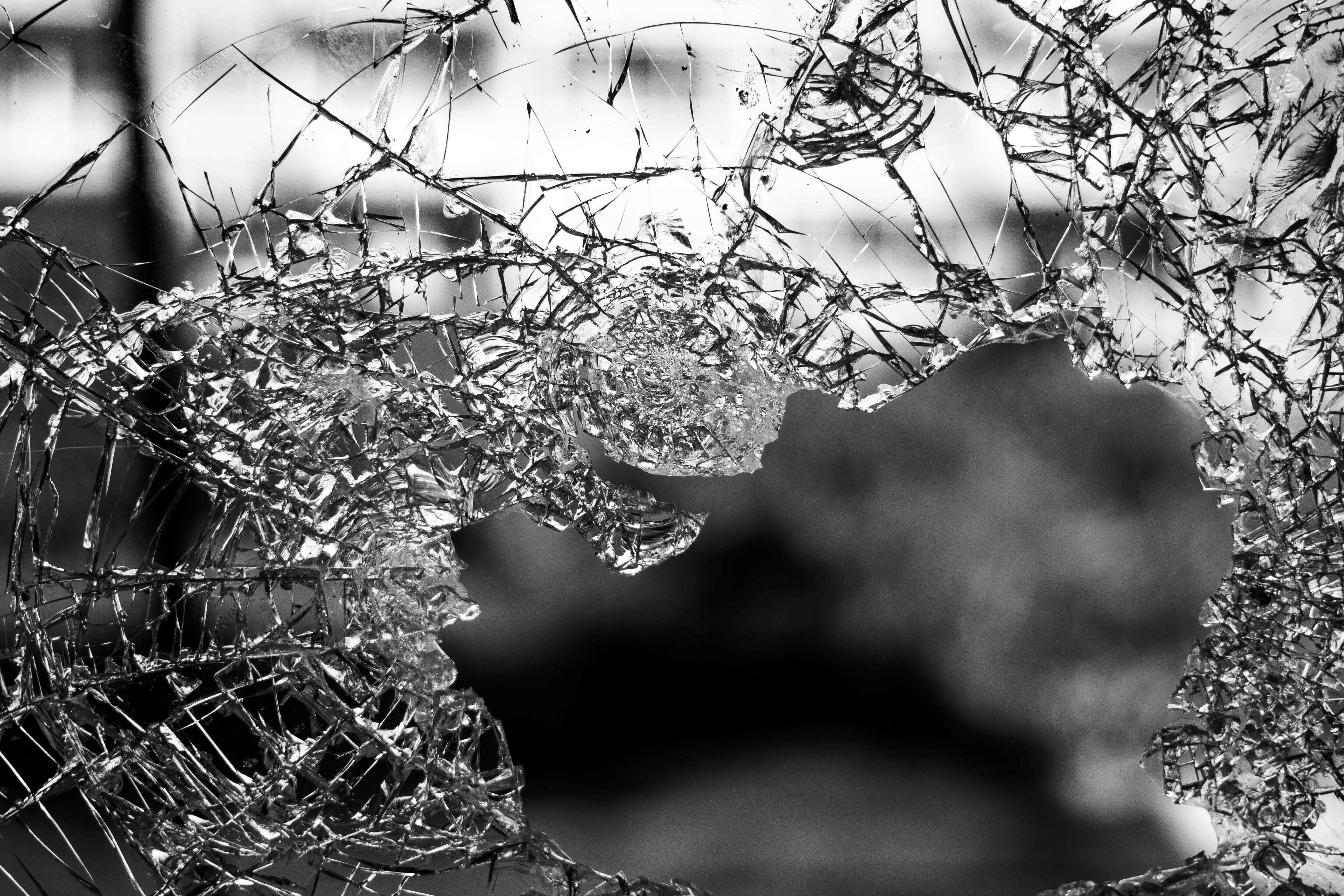 Brokenglass 1.optimized