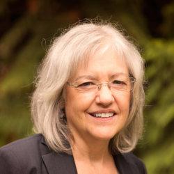 Dr. Lyn MacBeath, MD, FRCPC, ABAM, ISAM